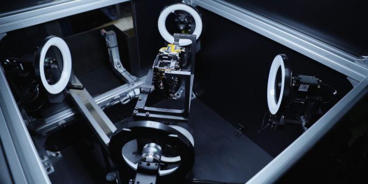 精密部品組立検査装置(カメラ6面検査機)